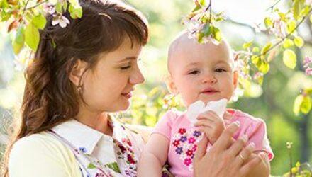 Как защитить ребенка от комаров на улице и дома: традиционные способы и «Натуроник зооглея»