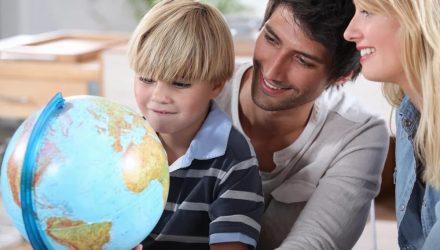 Интервью с экспертом «Семья должна стать полноправным участником в обучении детей»